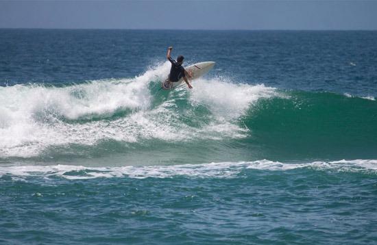 Surfing - Moçambique