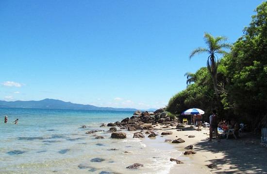 Lagoinha Ponta das Canas Beach