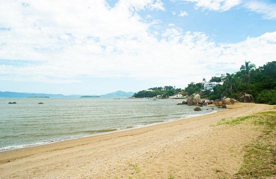 SambaAqui Beach