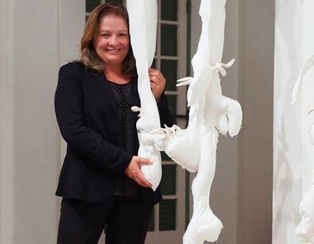 Sculptress Ilca Barcelos