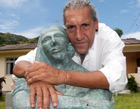 Sculptor Nilton Maia
