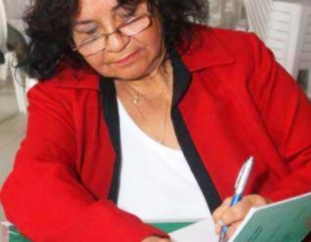 Writer Dora Duarte